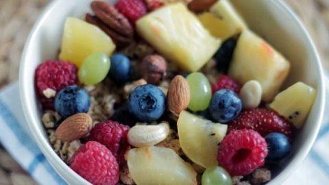 کجارو؛ ۸ ترکیب غذایی مضر که باید از خوردن آن ها اجتناب کنید
