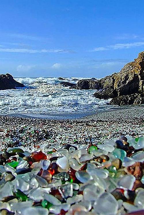 ساحل شیشه ای