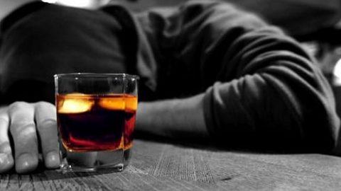 مصرف الکل موجب ۷ نوع سرطان میشود!