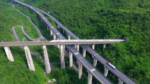 ساخت جادهای بینظیر در چین!
