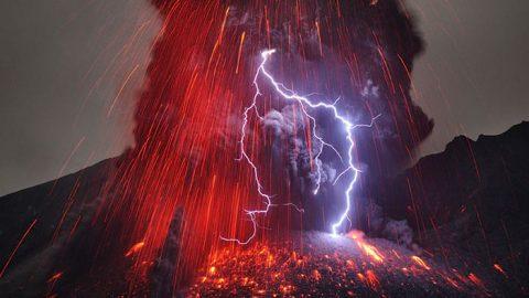 عکس های رعد و برق آتشفشانی