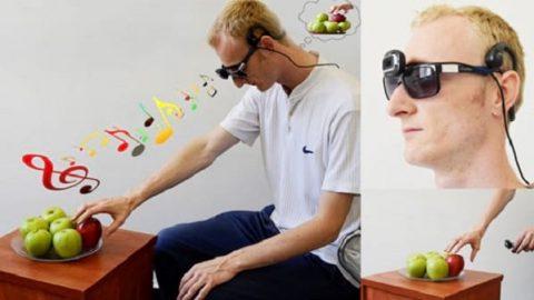عینک موزیکال ویژه نابینایان، راهنمایی برای درک فاصله و رنگ اشیاء!