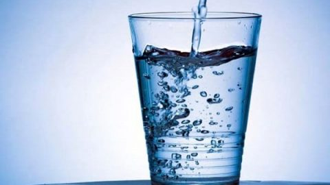 ۱۴ اثر شگفت انگیز آب بر روی بدن!