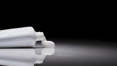 کاربردهای عجیب خمیردندان در خانهداری که نمیدانید