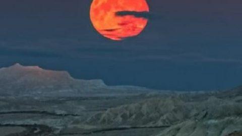 ۲۴ آبان رصد بزرگ ترین ماه در ۷۰ سال اخیر را از دست ندهید!