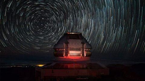 گرداب ستارهها بر فراز رصدخانه جمنای