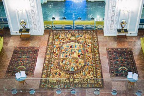 فرشهای نفیس کاخ نیاوران، بازگو کننده داستانهای کهن ایران زمین