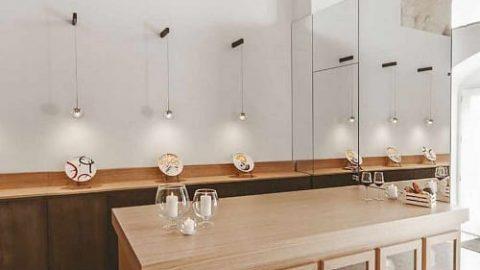 هتلی مدرن در دل غاری در ایتالیا