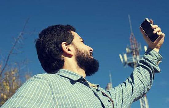 آیا زمانی که موبایل آنتن ندارد، ضررهای آن بیش تر می شود؟