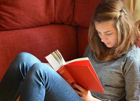 کتاب خواندن و این همه فایده؟