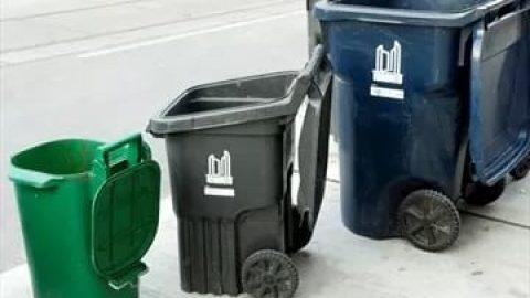 زباله در تورنتو دو هفته ۱ بار جمع می شود