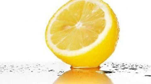 میوهای که برای سلامت بدن شما کمتر از یک معجزه نیست!