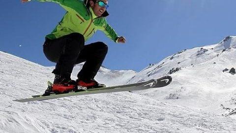 مسابقات اسکی در پیست تاریک دره همدان