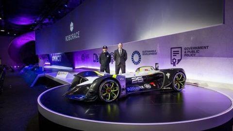 نخستین خودروی خودران مسابقهای!