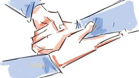 بعد از خانه تکانی با ماساژ دستانتان را زیبا کنید
