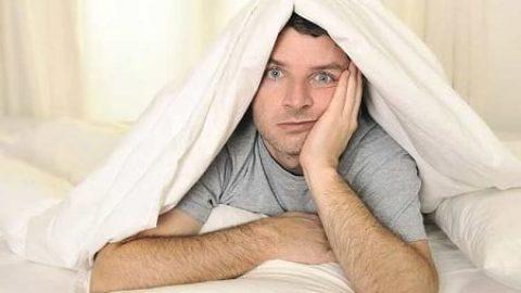 مشکلات بی خوابی را جدی بگیرید