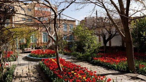خانه لاله ای استاد یحیی ذکا، محفلی برای ایران دوستان