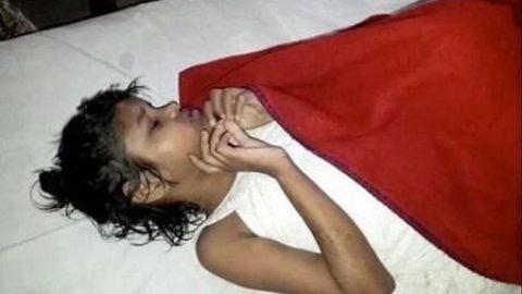 نجات دختر هندی که با میمون ها زندگی می کرد