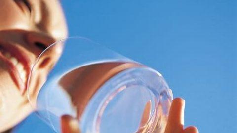 میزان نیاز بدن به آب با توجه به وزن چقدر است؟