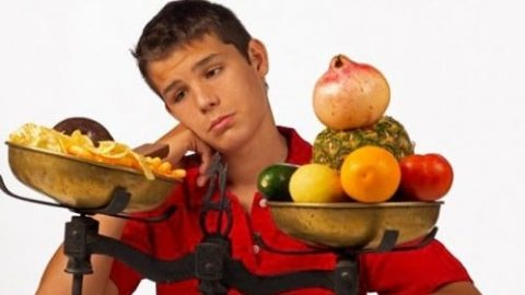 چه غذاهایی بخوریم که افسرده نشویم؟