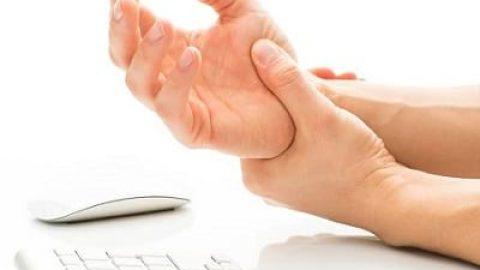 """با """"سندروم تونل مچ دست"""" و راهکارهای درمان آن آشنا شوید"""