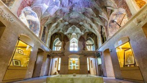 موزه خوشنویسی قزوین: هنر ناب ایرانی در کاخ چهلستون