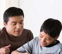می خواستم بدانم که اگر یک فرزند بخواهد با پدرش یک رابطه صمیمانه ایجاد کند چه کاری باید انجام بدهد؟