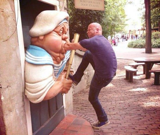 شوخی با مجسمه ها (1)