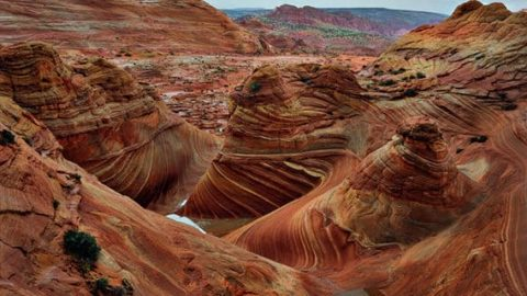 """چرا صخرههای """"ورمیلیون"""" قرمز هستند؟"""