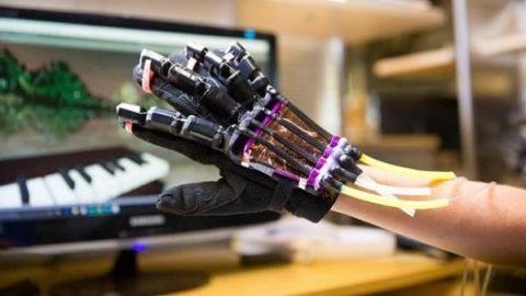 حس لمس اجسام در دنیای مجازی با دستکش هوشمند!