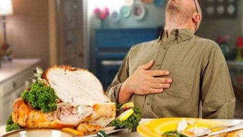پرخوری در روزهداران موجب این اختلالات میشود