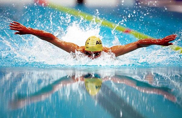 چربی سوزی با شنا بیش تر است یا دویدن؟