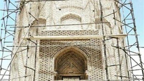 مرمت یکی از استثناییترین برجهای آرامگاهی ایران در دامغان