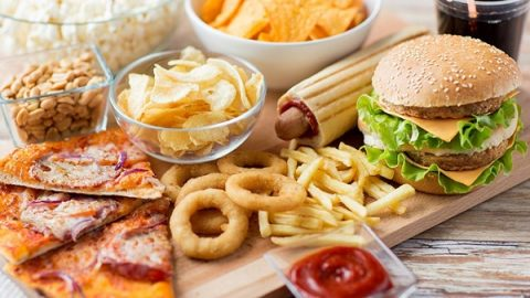 این غذاها را بعد از ساعت ۸ شب نخورید!