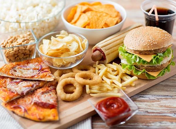 این غذاها را بعد از ساعت 8 شب نخورید!