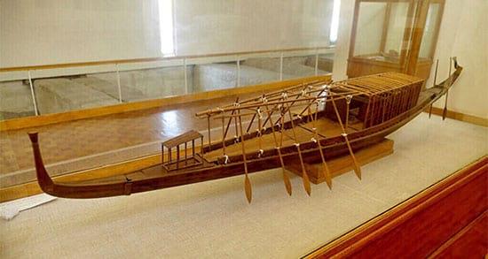 قایق خورشیدی باستانی (1)