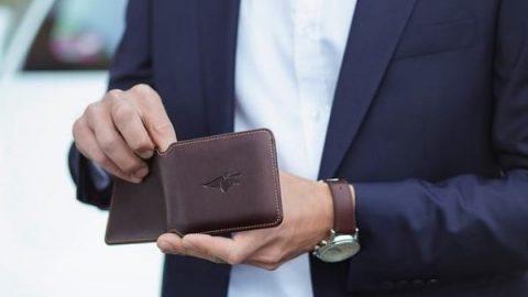 کیف پولی که سارق خود را رسوا میکند!