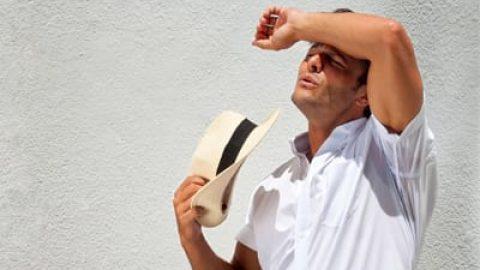 درمان گرمازدگی با نوشیدن دوغ کم نمک