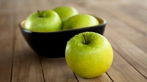 ۱۰ میوه برتر برای مقابله با پیری