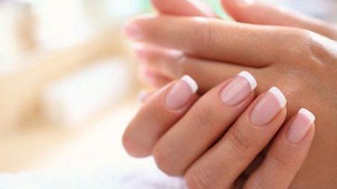 کنار ناخنتان ریش ریش می شود؟ بخوانید