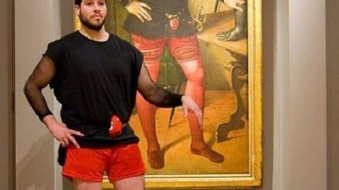 تصاویر جالب از کسانی که همزادشان را در موزه پیدا کردند!