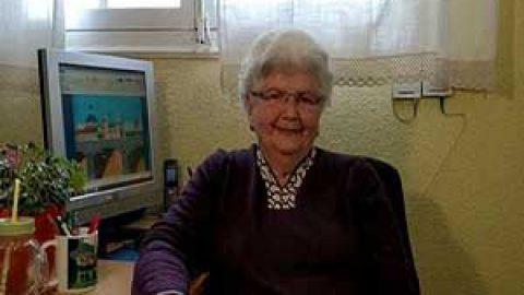 مادربزرگ نقاش