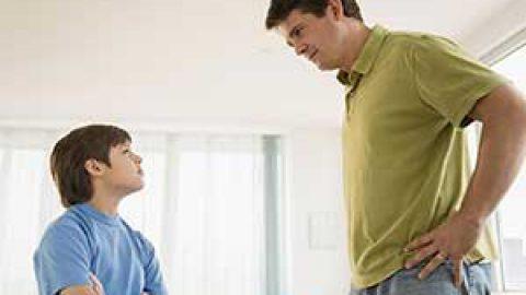 نمیتونم راحت با مادر و پدرم حرف بزنم و به آن ها مشکلم را بگم