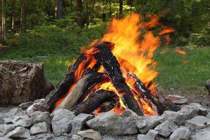 آتش روشن کردن