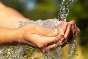 برای وضو یا غسل چقدر آب کافی است
