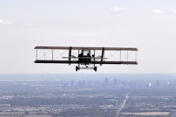 اختراع هواپیما