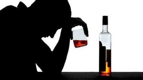 نوجوانان و خطرات مصرف مشروبات الکلی