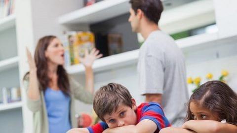 پدر و مادرم مدام با هم دعوا می کنند | اختلاف والدین