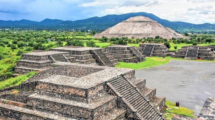 مکان های مذهبی جهان و گردشگری