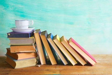 چگونه با وجود مشکلات مالی کتاب تهیه کنیم؟ – تهیه کتاب